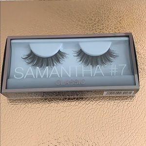 NIB Huda Beauty Samantha #7 Classic Lashes